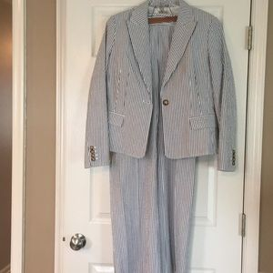 Stunning and stylish MKors Seersucker pant suit for sale